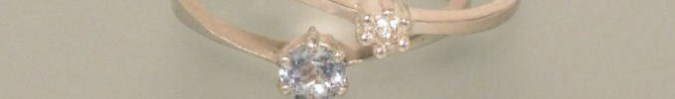 Verlobungsringe aus Silber mit Edelstein