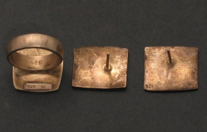 angelaufener Silberschmuck, Ohrstecker, Ring