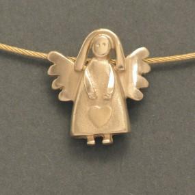goldener Engel aus fairer Herstellung